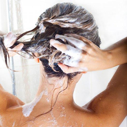 shampooinghair_1
